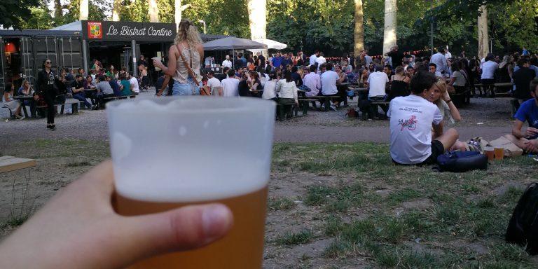 Prendre un verre à la citadelle dans des bars insolites (un conteneur, une péniche et une halle)