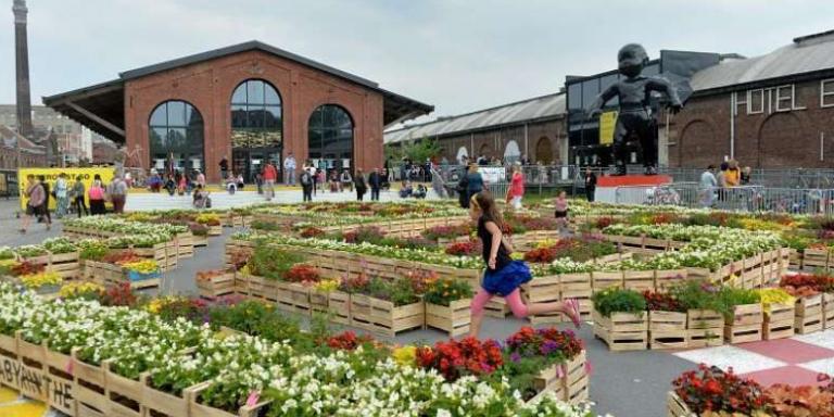 Profitez de l'espace détente et culturel de la Gare St Sauveur